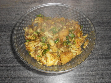 Aloo Gobhi Sabzi (Cauliflower Potato Vegetable)