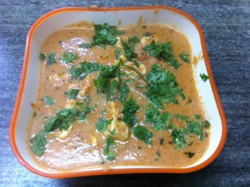 Paneer Butter Masala (Cottage Cheese In Creamy Tomato Gravy)